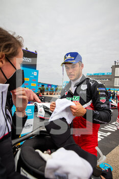 25/04/2021 - LOTTERER André (ger), TAG Heuer Porsche Formula E Team, Porsche 99X Electric, portrait podium during the 2021 Valencia ePrix, 3rd meeting of the 2020-21 Formula E World Championship, on the Circuit Ricardo Tormo from April 23 to 25, in Valencia, Spain - Photo Germain Hazard / DPPI - 2021 VALENCIA EPRIX, 3RD MEETING OF THE 2020-21 FORMULA E WORLD CHAMPIONSHIP - FORMULA E - MOTORI