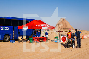 06/01/2021 - DSS atmosphere during the 4th stage of the Dakar 2021 between Wadi Al Dawasir and Riyadh, in Saudi Arabia on January 6, 2021 - Photo Florent Gooden / DPPI - DAKAR 2021 - 4TH STAGE - WADI AL DAWASIR - RIYADH - RALLY - MOTORI