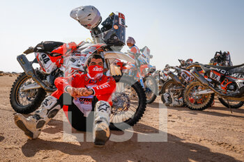 06/01/2021 - Susset Olivier (fra), Husqvarna, Xtreme Garage, Moto, Bike, portrait during the 4th stage of the Dakar 2021 between Wadi Al Dawasir and Riyadh, in Saudi Arabia on January 6, 2021 - Photo Florent Gooden / DPPI - DAKAR 2021 - 4TH STAGE - WADI AL DAWASIR - RIYADH - RALLY - MOTORI