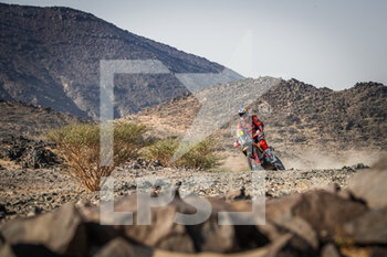 06/01/2021 - 03 Price Toby (aus), KTM, Red Bull KTM Factory Team, Moto, Bike, action during the 4th stage of the Dakar 2021 between Wadi Al Dawasir and Riyadh, in Saudi Arabia on January 6, 2021 - Photo Antonin Vincent / DPPI - DAKAR 2021 - 4TH STAGE - WADI AL DAWASIR - RIYADH - RALLY - MOTORI