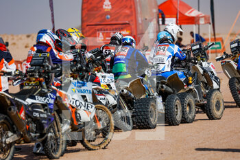 06/01/2021 - Quad, bike, moto, atmosphere during the 4th stage of the Dakar 2021 between Wadi Al Dawasir and Riyadh, in Saudi Arabia on January 6, 2021 - Photo Florent Gooden / DPPI - DAKAR 2021 - 4TH STAGE - WADI AL DAWASIR - RIYADH - RALLY - MOTORI