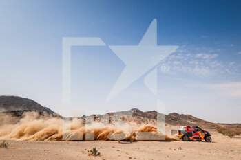 06/01/2021 - 307 Przygonski Jakub (pol), Gottschalk Timo (deu), Toyota, Overdrive Toyota, Auto, action during the 4th stage of the Dakar 2021 between Wadi Al Dawasir and Riyadh, in Saudi Arabia on January 6, 2021 - Photo Frédéric Le Floc'h / DPPI - DAKAR 2021 - 4TH STAGE - WADI AL DAWASIR - RIYADH - RALLY - MOTORI