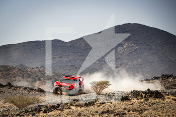 06/01/2021 - 311 Roma Nani (esp), Winocq Alexandre (fra), Hunter, Bahrain Raid Extreme, BRX, Auto, action during the 4th stage of the Dakar 2021 between Wadi Al Dawasir and Riyadh, in Saudi Arabia on January 6, 2021 - Photo Antonin Vincent / DPPI - DAKAR 2021 - 4TH STAGE - WADI AL DAWASIR - RIYADH - RALLY - MOTORI