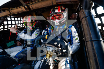 06/01/2021 - 393 Baud Lionel (fra), Minaudier Loic (fra), PH Sport, Light Weight Vehicles Prototype - T3, atmosphere during the 4th stage of the Dakar 2021 between Wadi Al Dawasir and Riyadh, in Saudi Arabia on January 6, 2021 - Photo Florent Gooden / DPPI - DAKAR 2021 - 4TH STAGE - WADI AL DAWASIR - RIYADH - RALLY - MOTORI