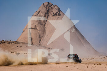 06/01/2021 - 437 Brabeck-Letmathe Nicolas (aut), Bony Bruno (fra), Can-Am, Team Casteu, SSV Series - T4, action during the 4th stage of the Dakar 2021 between Wadi Al Dawasir and Riyadh, in Saudi Arabia on January 6, 2021 - Photo Florent Gooden / DPPI - DAKAR 2021 - 4TH STAGE - WADI AL DAWASIR - RIYADH - RALLY - MOTORI