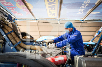 09/01/2021 - Kamaz - Master, Camion, Truck, mechanics in the bivouac during the Rest Day of the Dakar 2021 in Ha'il, in Saudi Arabia on January 9, 2021 - Photo Antonin Vincent / DPPI - DAKAR 2021 - REST DAY - RALLY - MOTORI