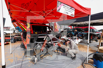 09/01/2021 - PH Sport mechanic during the Rest Day of the Dakar 2021 in Ha'il, in Saudi Arabia on January 9, 2021 - Photo Frédéric Le Floc'h / DPPI - DAKAR 2021 - REST DAY - RALLY - MOTORI
