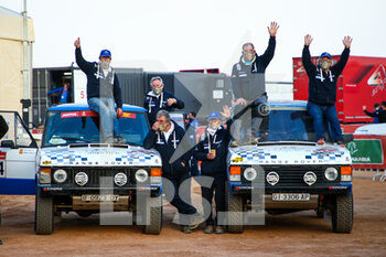 09/01/2021 - 214 Vidal Andres (esp), Maimi Codina Pere (esp), Land Rover, Classics Competicio, Dakar Classic, 212 Lamrre Stephan (fra), Laroche Benjamin (fra), Mitsubishi, Racing Wings, Dakar Classic during the Rest Day of the Dakar 2021 in Ha'il, in Saudi Arabia on January 9, 2021 - Photo Julien Delfosse / DPPI - DAKAR 2021 - REST DAY - RALLY - MOTORI