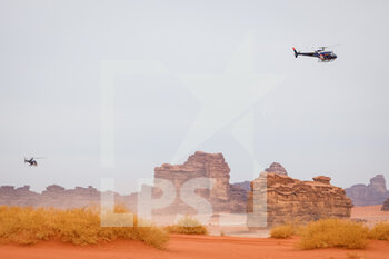 13/01/2021 - landscape, paysage, helico during the 10th stage of the Dakar 2021 between Neom and Al-?Ula, in Saudi Arabia on January 13, 2021 - Photo Frédéric Le Floc'h / DPPI - 10TH STAGE OF THE DAKAR 2021 BETWEEN NEOM AND ALULA - RALLY - MOTORI