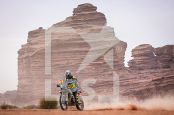 13/01/2021 - 11 Svitko Stefan (svk), KTM, Slovnaft Rally Team, Moto, Bike, action during the 10th stage of the Dakar 2021 between Neom and Al-Ula, in Saudi Arabia on January 13, 2021 - Photo Antonin Vincent / DPPI - 10TH STAGE OF THE DAKAR 2021 BETWEEN NEOM AND ALULA - RALLY - MOTORI