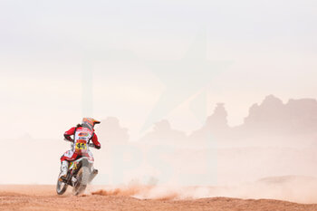 13/01/2021 - 44 Sanz Laia (esp), Gas Gas, Gas Gas Factory Team, Moto, Bike, action during the 10th stage of the Dakar 2021 between Neom and Al-Ula, in Saudi Arabia on January 13, 2021 - Photo Antonin Vincent / DPPI - 10TH STAGE OF THE DAKAR 2021 BETWEEN NEOM AND ALULA - RALLY - MOTORI