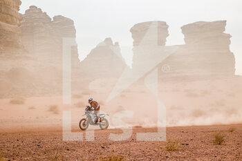 13/01/2021 - 29 Gyenes Emanuel (rou), KTM, Autonet Motorcycle Team, Original by Motul, Moto, Bike, action during the 10th stage of the Dakar 2021 between Neom and Al-Ula, in Saudi Arabia on January 13, 2021 - Photo Florent Gooden / DPPI - 10TH STAGE OF THE DAKAR 2021 BETWEEN NEOM AND ALULA - RALLY - MOTORI