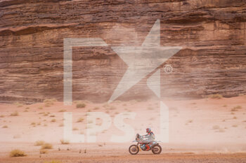 13/01/2021 - 35 Guillen Rivera Juan Pablo (mex), KTM, Nomadas Adventure, Moto, Bike, action during the 10th stage of the Dakar 2021 between Neom and Al-Ula, in Saudi Arabia on January 13, 2021 - Photo Florent Gooden / DPPI - 10TH STAGE OF THE DAKAR 2021 BETWEEN NEOM AND ALULA - RALLY - MOTORI