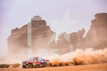 13/01/2021 - 301 Al-Attiyah Nasser (qat), Baumel Matthieu (fra), Toyota, Toyota Gazoo Racing, Auto, action during the 10th stage of the Dakar 2021 between Neom and Al-Ula, in Saudi Arabia on January 13, 2021 - Photo Antonin Vincent / DPPI - 10TH STAGE OF THE DAKAR 2021 BETWEEN NEOM AND ALULA - RALLY - MOTORI