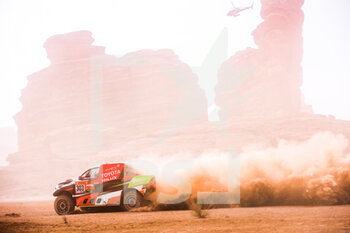 13/01/2021 - 303 Al Rajhi Yazeed (sau), Von Zitzewitz Dirk (deu), Toyota, Overdrive Toyota, Auto, action during the 10th stage of the Dakar 2021 between Neom and Al-Ula, in Saudi Arabia on January 13, 2021 - Photo Antonin Vincent / DPPI - 10TH STAGE OF THE DAKAR 2021 BETWEEN NEOM AND ALULA - RALLY - MOTORI