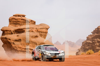 13/01/2021 - 314 Despres Cyril (fra), Horn Mike (swi), Peugeot, PH Sport, Abu Dhabi Racing, Auto, action during the 10th stage of the Dakar 2021 between Neom and Al-?Ula, in Saudi Arabia on January 13, 2021 - Photo Frédéric Le Floc'h / DPPI - 10TH STAGE OF THE DAKAR 2021 BETWEEN NEOM AND ALULA - RALLY - MOTORI