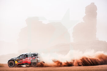 13/01/2021 - 310 Al Qassimi Sheikh Khalid (are), Panseri Xavier (fra), Peugeot, PH Sport, Abu Dhabi Racing, Auto, action during the 10th stage of the Dakar 2021 between Neom and Al-Ula, in Saudi Arabia on January 13, 2021 - Photo Antonin Vincent / DPPI - 10TH STAGE OF THE DAKAR 2021 BETWEEN NEOM AND ALULA - RALLY - MOTORI