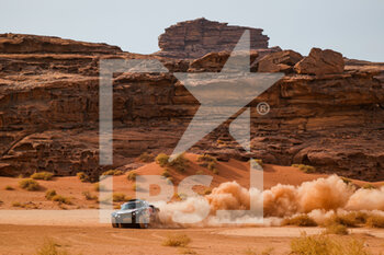 13/01/2021 - 300 Sainz Carlos (esp), Cruz Lucas (esp), Mini, X-Raid Mini JCW Team, Auto, action during the 10th stage of the Dakar 2021 between Neom and Al-Ula, in Saudi Arabia on January 13, 2021 - Photo Florent Gooden / DPPI - 10TH STAGE OF THE DAKAR 2021 BETWEEN NEOM AND ALULA - RALLY - MOTORI