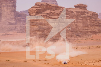 13/01/2021 - 330 Variawa Shameer (zaf), Murphy Dennis (zaf), Toyota, Toyota Gazoo Racing, Auto, action during the 10th stage of the Dakar 2021 between Neom and Al-?Ula, in Saudi Arabia on January 13, 2021 - Photo Frédéric Le Floc'h / DPPI - 10TH STAGE OF THE DAKAR 2021 BETWEEN NEOM AND ALULA - RALLY - MOTORI