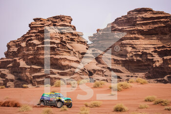 13/01/2021 - 335 Spinelli Guilherme (bra), Haddad Youssef (bra), Mini, X-Raid Mini JCW Rally Team, Auto, action during the 10th stage of the Dakar 2021 between Neom and Al-Ula, in Saudi Arabia on January 13, 2021 - Photo Antonin Vincent / DPPI - 10TH STAGE OF THE DAKAR 2021 BETWEEN NEOM AND ALULA - RALLY - MOTORI
