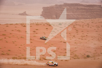 13/01/2021 - 327 Esteve Pujol Isidre (esp), Villalobas Txema (esp), Toyota, Repsol Rally Team, Auto, action during the 10th stage of the Dakar 2021 between Neom and Al-Ula, in Saudi Arabia on January 13, 2021 - Photo Antonin Vincent / DPPI - 10TH STAGE OF THE DAKAR 2021 BETWEEN NEOM AND ALULA - RALLY - MOTORI