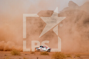 13/01/2021 - 346 Aljafla Khalid (are), Mirza Ali (are), Toyota, Sarab Racing, Auto, action during the 10th stage of the Dakar 2021 between Neom and Al-Ula, in Saudi Arabia on January 13, 2021 - Photo Florent Gooden / DPPI - 10TH STAGE OF THE DAKAR 2021 BETWEEN NEOM AND ALULA - RALLY - MOTORI