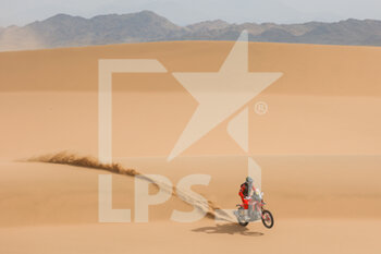 13/01/2021 - 47 Benavides Kevin (arg), Honda, Monster Energy Honda Team 2021, Motul, Moto, Bike, action during the 11th stage of the Dakar 2021 between Al-'Ula and Yanbu, in Saudi Arabia on January 14, 2021 - Photo Florent Gooden / DPPI - 10TH STAGE OF THE DAKAR 2021 BETWEEN NEOM AND ALULA - RALLY - MOTORI