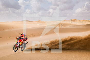 13/01/2021 - 05 Sunderland Sam (gbr), KTM, Red Bull KTM Factory Team, Moto, Bike, action during the 11th stage of the Dakar 2021 between Al-'Ula and Yanbu, in Saudi Arabia on January 14, 2021 - Photo Frédéric Le Floc'h / DPPI - 10TH STAGE OF THE DAKAR 2021 BETWEEN NEOM AND ALULA - RALLY - MOTORI