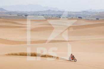 13/01/2021 - 05 Sunderland Sam (gbr), KTM, Red Bull KTM Factory Team, Moto, Bike, action during the 11th stage of the Dakar 2021 between Al-'Ula and Yanbu, in Saudi Arabia on January 14, 2021 - Photo Florent Gooden / DPPI - 10TH STAGE OF THE DAKAR 2021 BETWEEN NEOM AND ALULA - RALLY - MOTORI