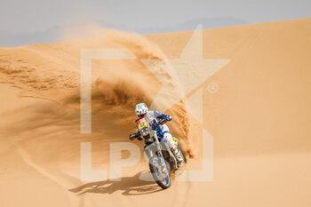 13/01/2021 - 42 Van Beveren Adrien (fra), Yamaha, Monster Energy Yamaha Rally Team, Moto, Bike, action during the 11th stage of the Dakar 2021 between Al-'Ula and Yanbu, in Saudi Arabia on January 14, 2021 - Photo Frédéric Le Floc'h / DPPI - 10TH STAGE OF THE DAKAR 2021 BETWEEN NEOM AND ALULA - RALLY - MOTORI