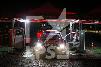 22/01/2021 - 33 Elfyn EVANS (GBR), Scott MARTIN (GBR), TOYOTA GAZOO RACING WRT TOYOTA Yaris WRC ,action refueling, ravitaillement essence during the 2021 WRC World Rally Car Championship, Monte Carlo rally on January 20 to 24, 2021 at Monaco - Photo Francois Flamand / DPPI - 2021 WRC WORLD RALLY CAR CHAMPIONSHIP, MONTE CARLO - FRIDAY - RALLY - MOTORI
