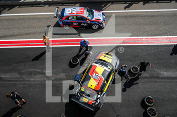 11/09/2020 - 16 Magnus Gilles (bel), Comtoyou Racing, Audi LMS, action 08 Engstler Luca (deu), Engstler Hyundai N Liqui Moly Racing Team, Hyundai i30 N TCR, action pitlane, during the 2020 FIA WTCR Race of Belgium, 1st round of the 2020 FIA World Touring Car Cup, on the Circuit Zolder, from September 11 to 13, 2020 in Zolder, Belgium - Photo Fr - FIA WORLD TOURING CAR CUP 2020 - BELGIO - TURISMO E GRAN TURISMO - MOTORI