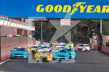 11/09/2020 - 17 Berthon Nathanael (fra), Comtoyou DHL Team Audi Sport, Audi LMS, action 12 Urrutia Santiago (usa), Cyan Performance Lynk and Co, Lynk and Co 03 TCR, action 68 Ehrlacher Yann (fra), Cyan Performance Lynk and Co, Lynk and Co 03 TCR, action , start of the race, depart, during the 2020 FIA WTCR Race of Belgium, 1st round of the 2020 FIA World Touring Car Cup, on the Circuit Zolder, from September 11 to 13, 2020 in Zolder, Belgium - Photo Fr.d.ric Le Floc'h / DPPI - FIA WORLD TOURING CAR CUP 2020 - BELGIO - TURISMO E GRAN TURISMO - MOTORI
