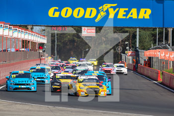 11/09/2020 - 17 Berthon Nathanael (fra), Comtoyou DHL Team Audi Sport, Audi LMS, action 12 Urrutia Santiago (usa), Cyan Performance Lynk and Co, Lynk and Co 03 TCR, action 16 Magnus Gilles (bel), Comtoyou Racing, Audi LMS, action , start of the race, depart, during the 2020 FIA WTCR Race of Belgium, 1st round of the 2020 FIA World Touring Car Cup, on the Circuit Zolder, from September 11 to 13, 2020 in Zolder, Belgium - Photo Fr - FIA WORLD TOURING CAR CUP 2020 - BELGIO - TURISMO E GRAN TURISMO - MOTORI