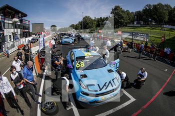 11/09/2020 - 68 Ehrlacher Yann (fra), Cyan Performance Lynk and Co, Lynk and Co 03 TCR, action Pre grid Race 2 during the 2020 FIA WTCR Race of Belgium, 1st round of the 2020 FIA World Touring Car Cup, on the Circuit Zolder, from September 11 to 13, 2020 in Zolder, Belgium - Photo Paulo Maria / DPPI - FIA WORLD TOURING CAR CUP 2020 - BELGIO - TURISMO E GRAN TURISMO - MOTORI