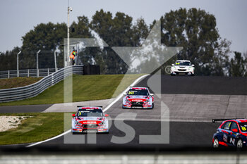 10/10/2020 - 01 Michelisz Norbert (hun), BRC Hyundai N LUKOIL Squadra Corse, Hyundai i30 N TCR, 30 Tarquini Gabriele (ita), BRC Hyundai N LUKOIL Squadra Corse, Hyundai i30 N TCR, action during the 2020 FIA WTCR Race of Slovakia, 3rd round of the 2020 FIA World Touring Car Cup, on the Automotodrom Slovakia Ring, from October 9 to 11, 2020 in Orechova Poton, Slovakia - Photo Florent Gooden / DPPI - 2020 FIA WTCR RACE OF SLOVAKIA, 3RD ROUND OF THE WORLD TOURING CAR CUP - TURISMO E GRAN TURISMO - MOTORI