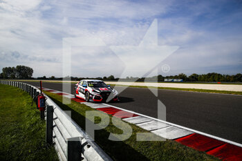 10/10/2020 - 86 Guerrieri Esteban (arg), ALL-INKL.DE Munnich Motorsport, Honda Civic TCR, action during the 2020 FIA WTCR Race of Slovakia, 3rd round of the 2020 FIA World Touring Car Cup, on the Automotodrom Slovakia Ring, from October 9 to 11, 2020 in Orechova Poton, Slovakia - Photo Florent Gooden / DPPI - 2020 FIA WTCR RACE OF SLOVAKIA, 3RD ROUND OF THE WORLD TOURING CAR CUP - TURISMO E GRAN TURISMO - MOTORI