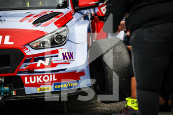 10/10/2020 - BRC Hyundai N LUKOIL Squadra Corse, Hyundai i30 N TCR, atmosphere during the 2020 FIA WTCR Race of Slovakia, 3rd round of the 2020 FIA World Touring Car Cup, on the Automotodrom Slovakia Ring, from October 9 to 11, 2020 in Orechova Poton, Slovakia - Photo Florent Gooden / DPPI - 2020 FIA WTCR RACE OF SLOVAKIA, 3RD ROUND OF THE WORLD TOURING CAR CUP - TURISMO E GRAN TURISMO - MOTORI