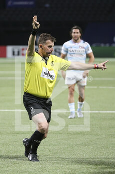 26/09/2020 - Referee Nigel Owens during the Champions Cup, semi-final rugby union match between Racing 92 and Saracens on September 26, 2020 at Paris La Defense Arena in Nanterre near Paris, France - Photo Juan Soliz / DPPI - SEMI-FINAL - RACING 92 VS SARACENS - HEINEKEN CHAMPIONS CUP - RUGBY