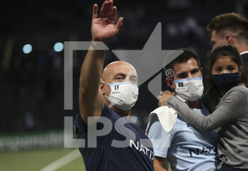 26/09/2020 - Coach of Racing 92 Laurent Travers celebrates the victory following the Champions Cup, semi-final rugby union match between Racing 92 and Saracens on September 26, 2020 at Paris La Defense Arena in Nanterre near Paris, France - Photo Juan Soliz / DPPI - SEMI-FINAL - RACING 92 VS SARACENS - HEINEKEN CHAMPIONS CUP - RUGBY