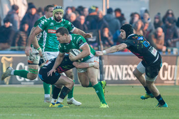 Luca Morrisi sfugge a Carlo Canna - Benetton Treviso Vs Zebre Rugby - GUINNESS PRO 14 - RUGBY