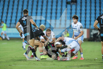 02/10/2020 - Zebre's n8 Tuivaiti is tackled by Cardiff defense - ZEBRE VS CARDIFF BLUES - GUINNESS PRO 14 - RUGBY