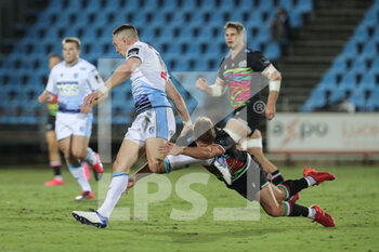 02/10/2020 - Antonio Rizzi (Zebre) with a late tackle on Josh Adams - ZEBRE VS CARDIFF BLUES - GUINNESS PRO 14 - RUGBY