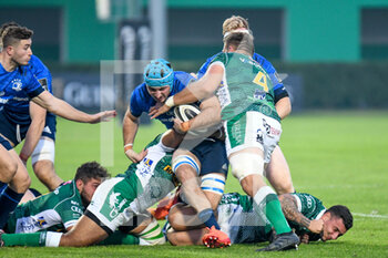 10/10/2020 - Will Connors (Leinster) takled by Irne Herbst (Treviso) - BENETTON TREVISO VS LEINSTER RUGBY - GUINNESS PRO 14 - RUGBY