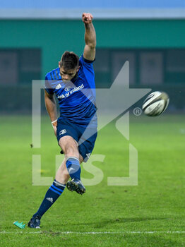 10/10/2020 - Ross Byrne (Leinster) penalty kick - BENETTON TREVISO VS LEINSTER RUGBY - GUINNESS PRO 14 - RUGBY