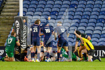 25/10/2020 - Henry Pyrgos (21) of Edinburgh Rugby celebrates as Andrew Davidson (5) of Edinburgh Rugby scores a try during the Guinness Pro 14 rugby union match between Edinburgh Rugby and Connacht Rugby on October 25, 2020 at BT Murrayfield Stadium in Edinburgh, Scotland - Photo Malcolm Mackenzie / ProSportsImages / DPPI - EDINBURGH RUGBY VS CONNACHT RUGBY - GUINNESS PRO 14 - RUGBY
