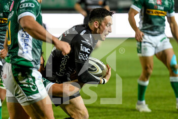 29/11/2020 - Sam Davies (Dragons) tackled by Ian Keatley (Benetton Treviso) - BENETTON VS DRAGONS - GUINNESS PRO 14 - RUGBY