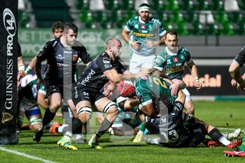 29/11/2020 - Hame Faiva (Benetton Treviso) tackled by Ollie Griffiths (Dragons) and Adam Warren (Dragons) - BENETTON VS DRAGONS - GUINNESS PRO 14 - RUGBY