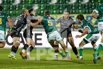 29/11/2020 - Federico Ruzza (Benetton Treviso) tackled by Jamie Roberts (Dragons), Sam Davies (Dragons) and Ollie Griffiths (Dragons) - BENETTON VS DRAGONS - GUINNESS PRO 14 - RUGBY