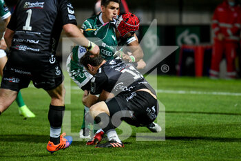 29/11/2020 - Hame Faiva (Benetton Treviso) tackled by Adam Warren (Dragons) - BENETTON VS DRAGONS - GUINNESS PRO 14 - RUGBY